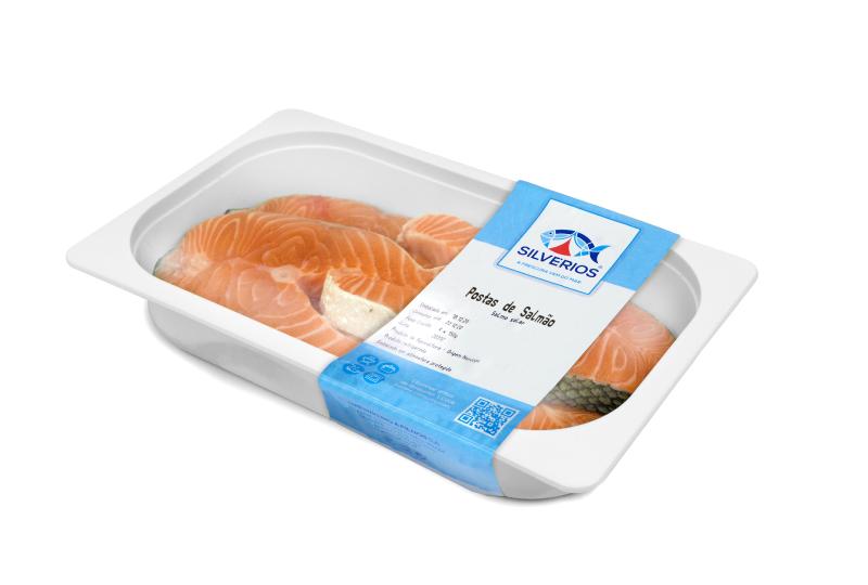 postas de salmão fresco