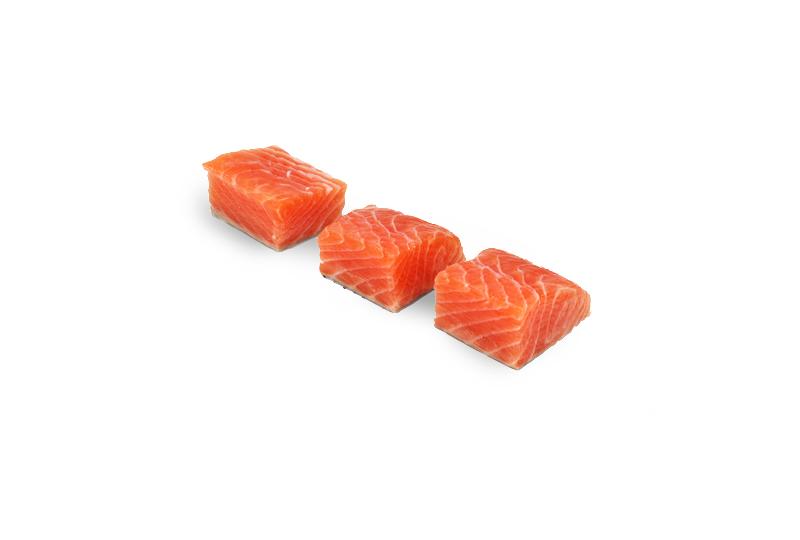 cubos de salmão
